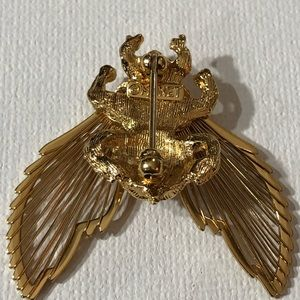 Monet Jewelry - Vintage Monet Gilded Gold Brooch